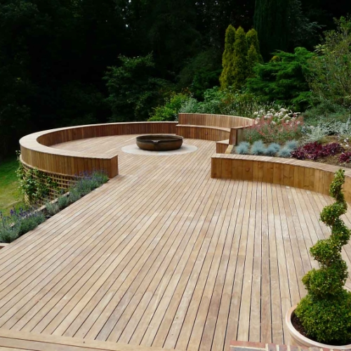 Hoole bridge building supplies landscaping for Gardens with decking and paving